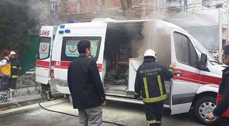 Ambulansta korkutan yangın