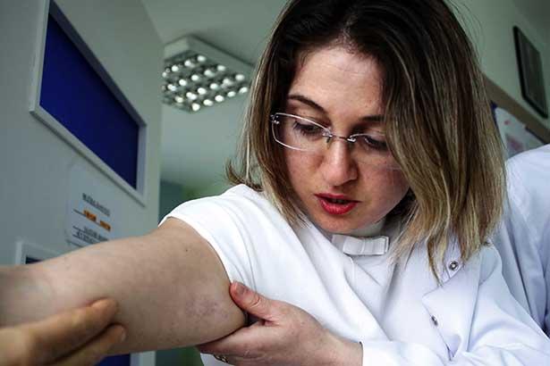 Kadın hastadan kadın doktora şiddet!