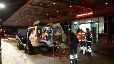 Hastaların imdadına kar paletli ambulans yetişti