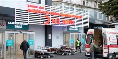 Hastane önünde 112 çalışanı bıçaklandı
