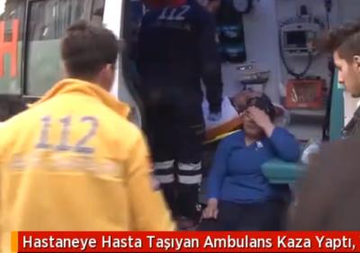 Hastaneye Hasta Taşıyan Ambulans Kaza Yaptı, Yaralanan Hemşire Gözyaşlarına Boğuldu