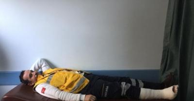 Hastayı Kurtarmak İsterken Ayağı Kırıldı