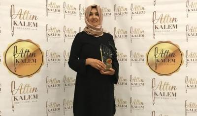 Hemşire Rahime Kösem Alcan kitabı ile Altın Kalem Ödülü'ne layık görüldü