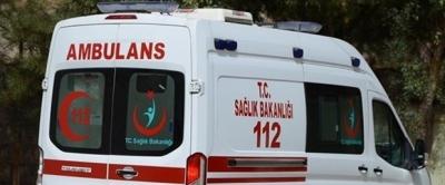 Ambulans kaza yaptı: Biri sağlık çalışanı iki kişi yaralandı
