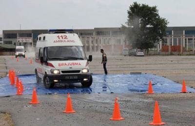 İzmirli ambulans şoförlerine köprü cezası