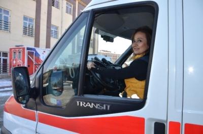 Kadın Ambulans Sürücüsünün Eğitiminden Geçiyorlar