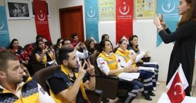 Sağlık çalışanları işaret dili öğrenecek