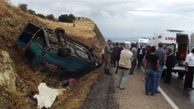 Trafik Kazası: 2 hemşire öldü, 12 kişi yaralandı