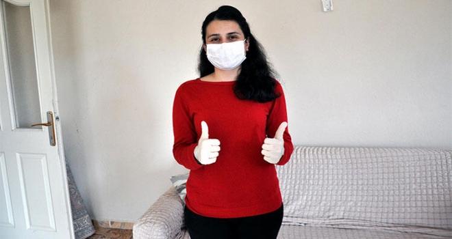 Koronavirüsü Yenen Hemşire Alkışlarla Taburcu Oldu
