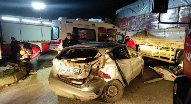 Hasta Taşıyan Ambulans Tırla Çarpıştı: 2'si Ağır 8 Yaralı