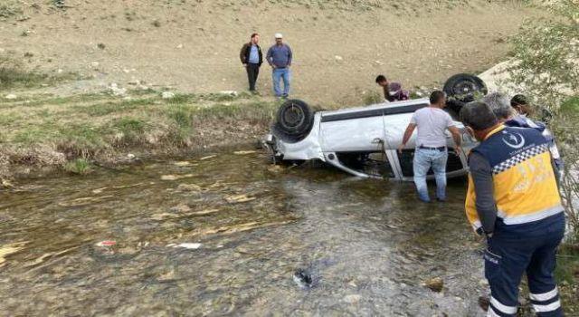 Genç Sağlık Çalışanı Dereye Düşen Araçta Hayatını Kaybetti