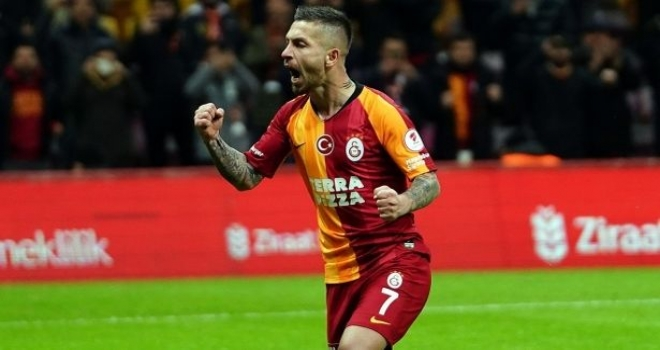 Galatasaraylı Futbolcu Adem Büyük'ten, Sağlık Bakanlığı'na Bağış