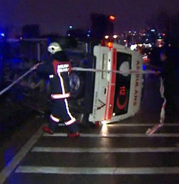 Ankara\'da Ambulans Devrildi