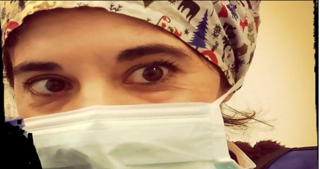 Hemşire Virüsü Başkalarına Bulaştırdığını Düşündüğü İçin İntihar Etti!