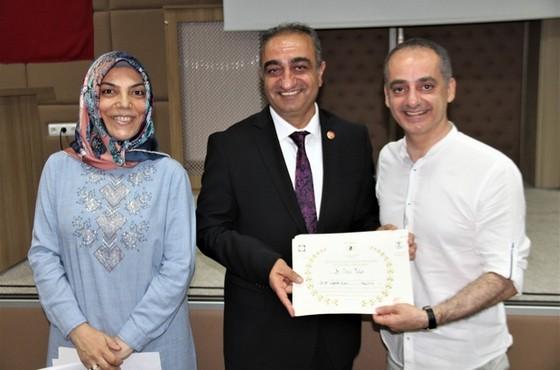Elazığ'da 71 sağlık personeli sertifikalarını aldı