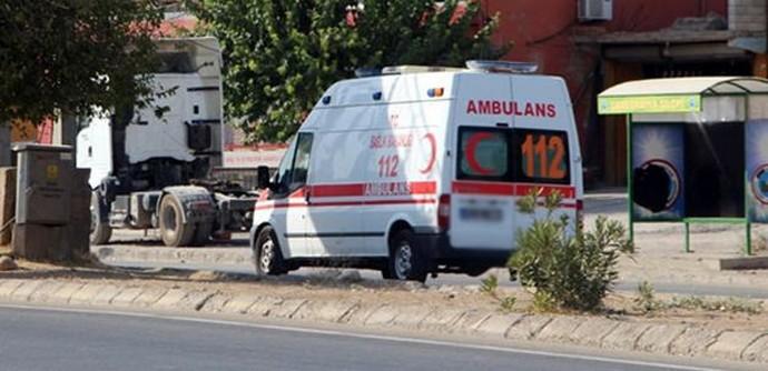 Hasta çocuğu almaya giden ambulansa saldırı