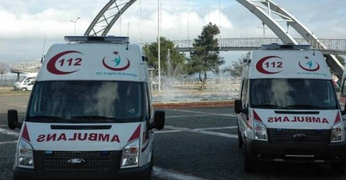 Amasya'ya gönderilen 6 adet ambulans törenle hizmete başladı.