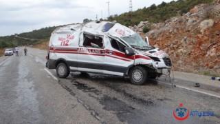 Vakaya Giden Ambulans Takla Attı!
