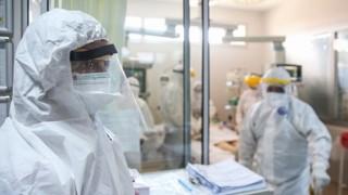 Kovid-19 Vakalarının En Az 6 Ay Boyunca Hastalığa Tekrar Yakalanma Olasılıkları Çok Düşük