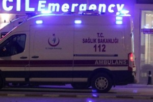 Sağlık Personelini Taşıyan Minibüs Devrildi: 1 Ölü, 7 Yaralı