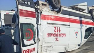 Ticari Aracın Çarptığı Ambulans Takla Attı!