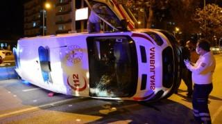 Taksi İle Ambulans Çarpıştı: 5 Yaralı