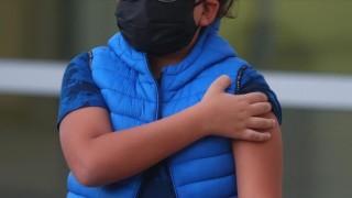 12-15 Yaş Grubunda Miyokardit Riskine Karşı Farklı Aşı Kombinasyonları Denenecek