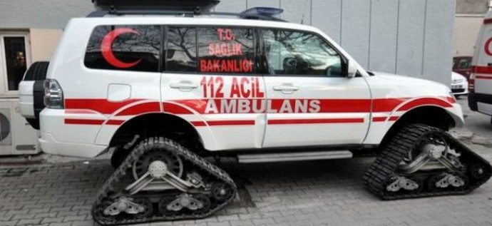 Trabzon'da Kar Paletli Ambulanslar Hayat Kurtarmaya Devam Ediyor