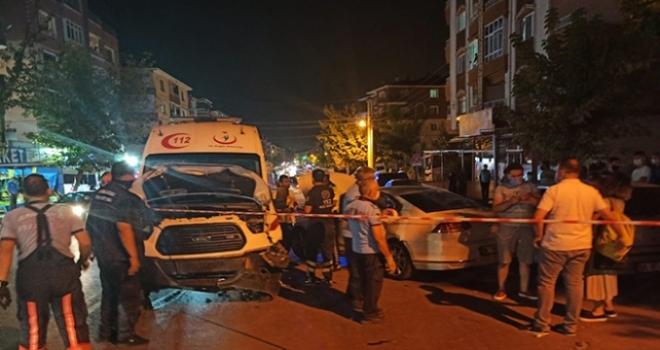 Ankara'da Ambulans Otomobille Çarpıştı: 3 Yaralı