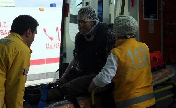Kayseri'de Ambulans Duvara Çarptı: 5 Yaralı