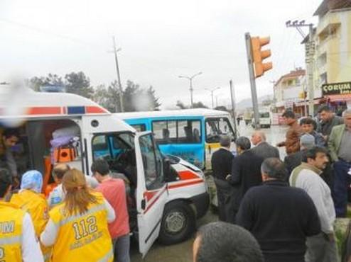 Çorum 112 Ambulansı Kaza Yaptı