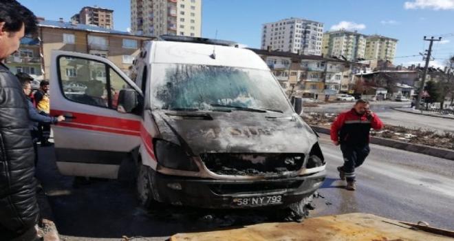 Hasta Almaya Giden Ambulans Yandı