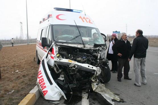 Hatay'da Ambulans Takla Attı Att Ameliyata Alındı