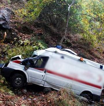 112 Ambulansı Kaza Yaptı: 2 Yaralı