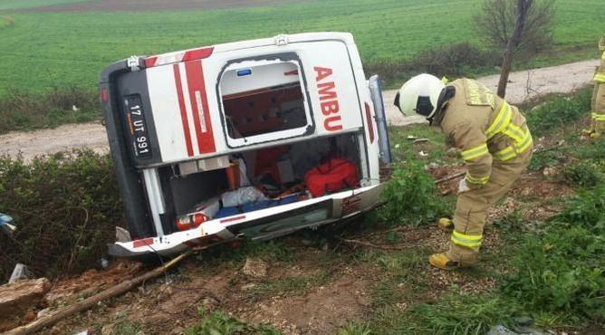 Bandırma'da Ambulans Devrildi: 5 Yaralı