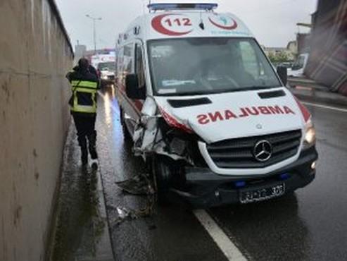 Trabzon'da Olay Yerine Giden Ambulans Otomobil İle Çarpıştı